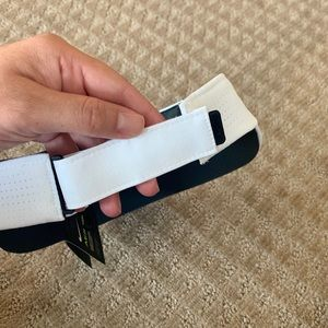 Nike Accessories - Nike Women's AeroBill Golf Sport Visor White!
